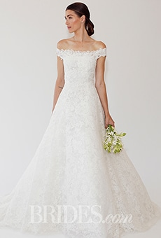 An Oscar de la Renta wedding dress from brides.com