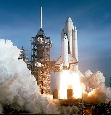 Figure 5. Even from several miles away, a space shuttle launch can reach 160 dB.